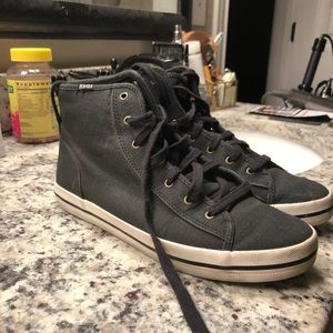 High tops with glittery accent